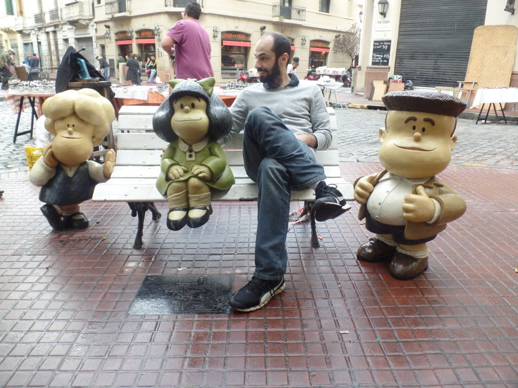 05 Mafalda e sua trupe passeando por San Telmo - Buenos Aires, Argentina