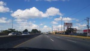 Rodovia entre Punta Cana e Santo Domingo, República Dominicana