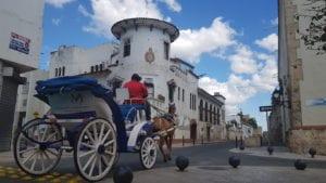 Charrete no Centro de Santo Domingo, República Dominicana