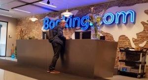 Recepção do Booking.com, aguardando para a visita de negócios e café no Intercâmbio na Holanda