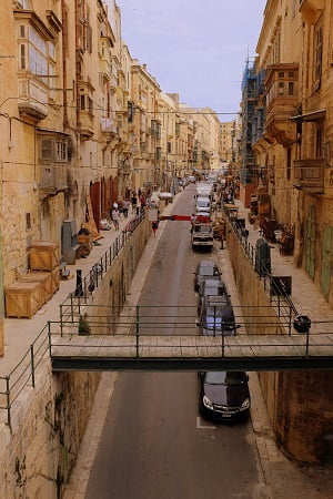 Ruas de Valleta, Malta - Morguefile photos