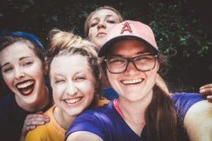 Self de intercambistas - Foto Hannah Nelson, Pexels