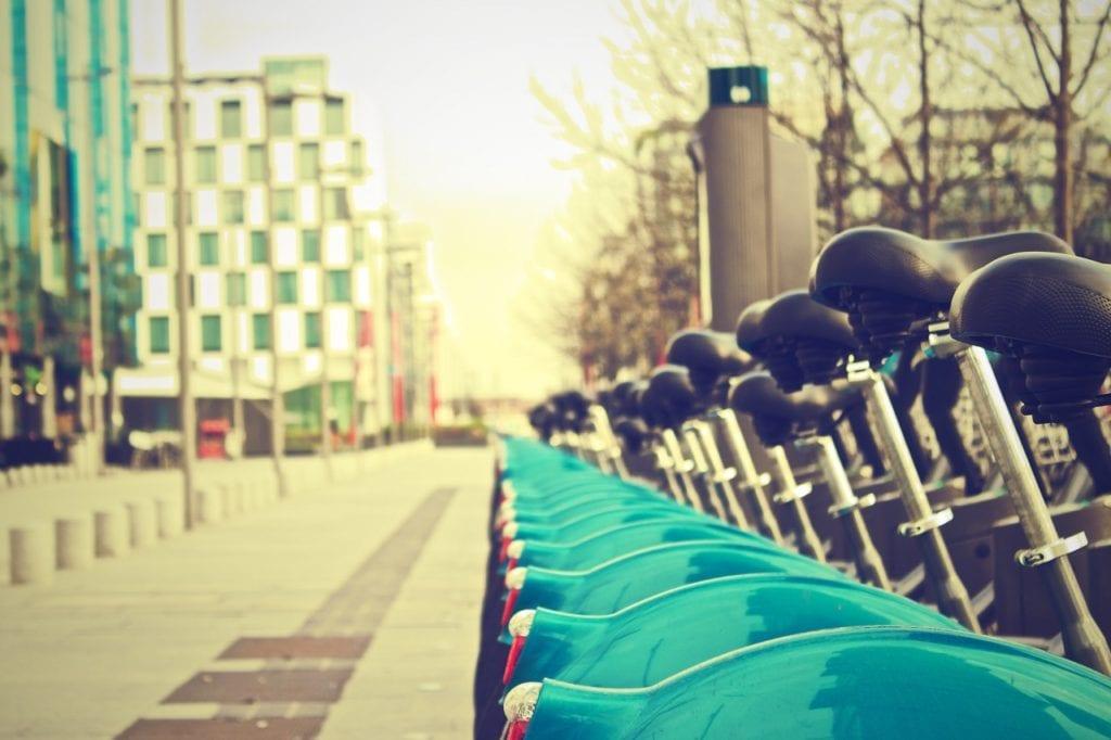 Bicicletas no centro de Dublin, na Irlanda - Foto Pexels