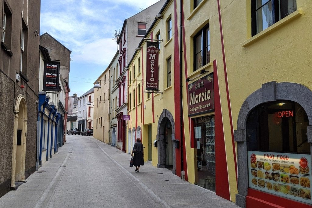 Ruas estreitas no centro de Waterford, Irlanda - Foto Pixabay