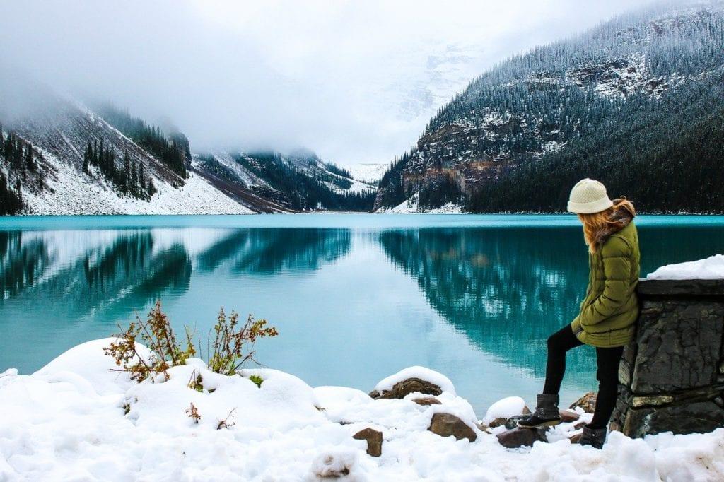 Vista das montanhas e do lago no Canadá -Foto Pixabay