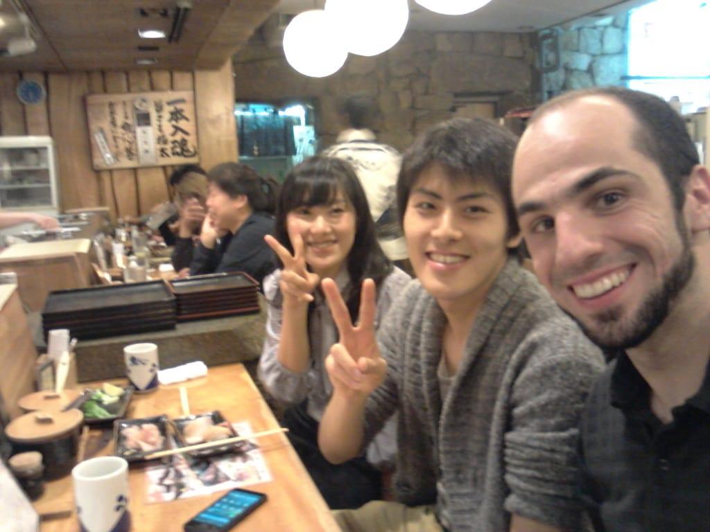 Fazendo amigo no Restaurante Sushi