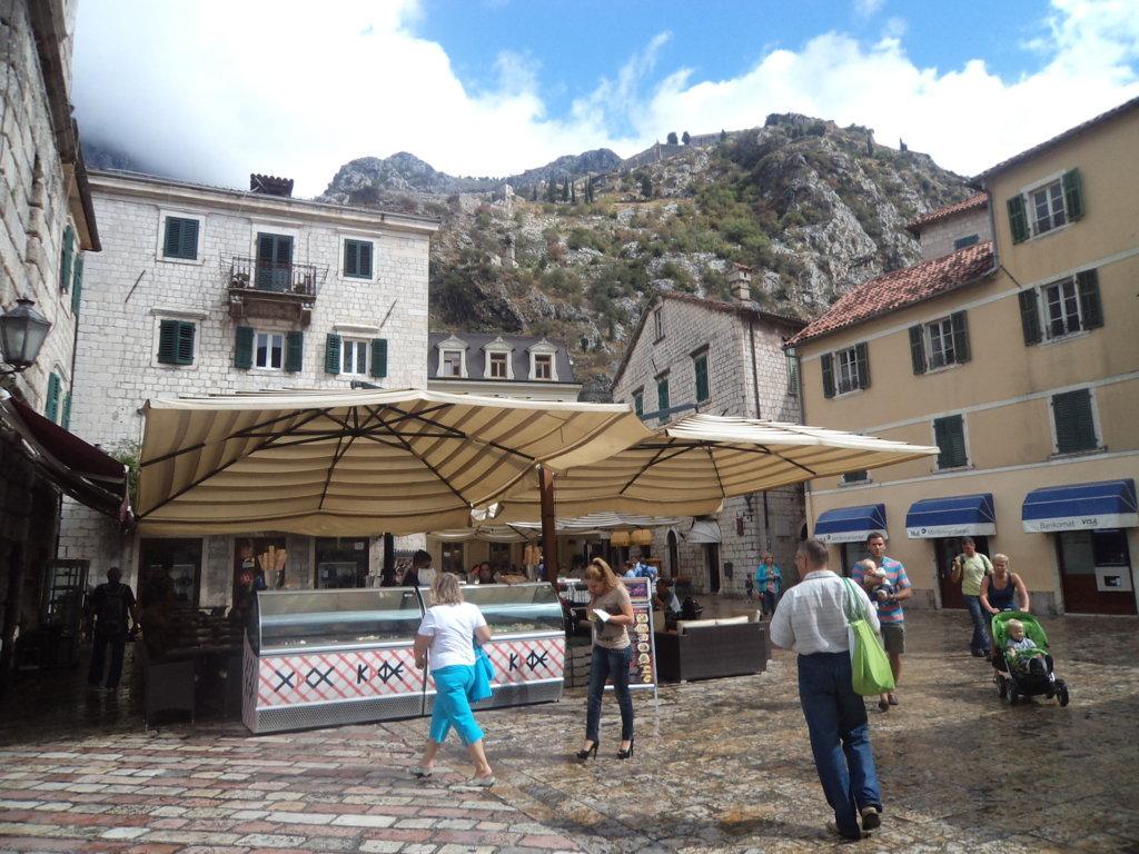 Forte de Kotor (Castelo de St John), de baixo para cima - Montenegro