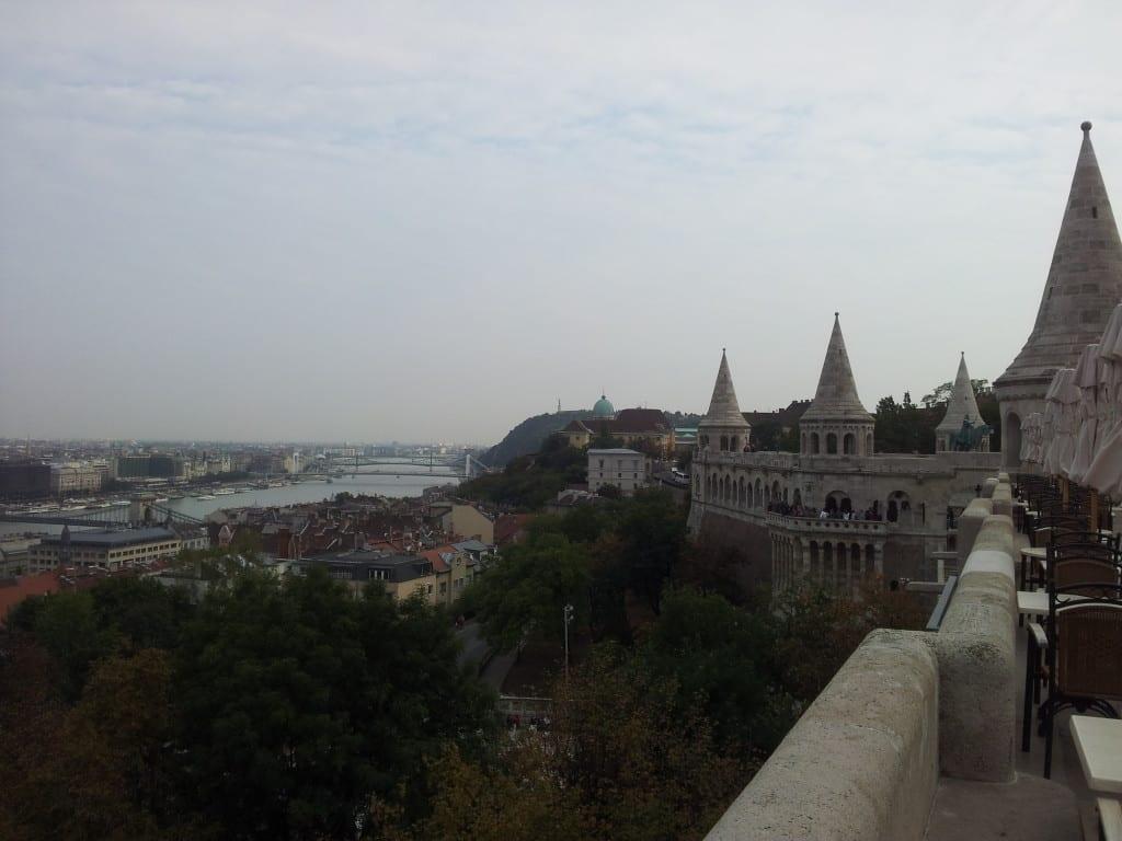 Buda, Peste, e o rio Danúbio visto do Fisherman's Bastion, Budapeste, Hungria