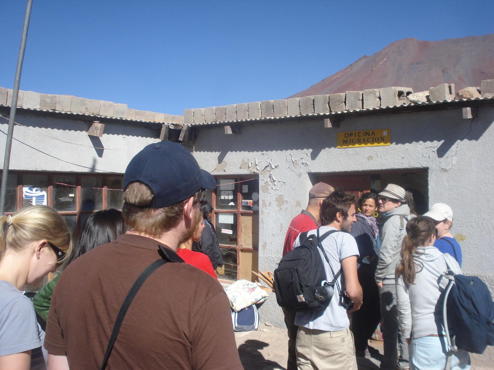 Imigração da Bolívia na saída do Atacama 1