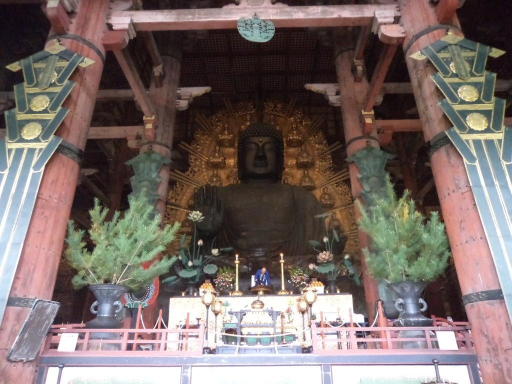 O Grande Buda no tempo Todaiji na cidade Nara, Japão
