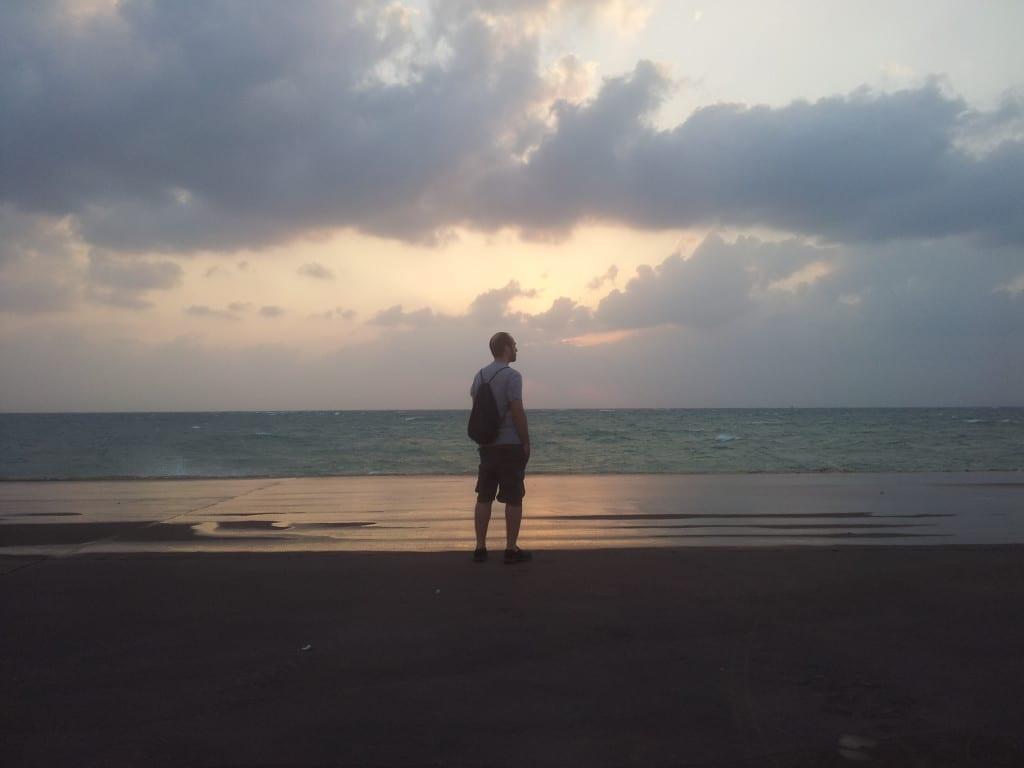Por do sol em Okinawa, sul do Japão
