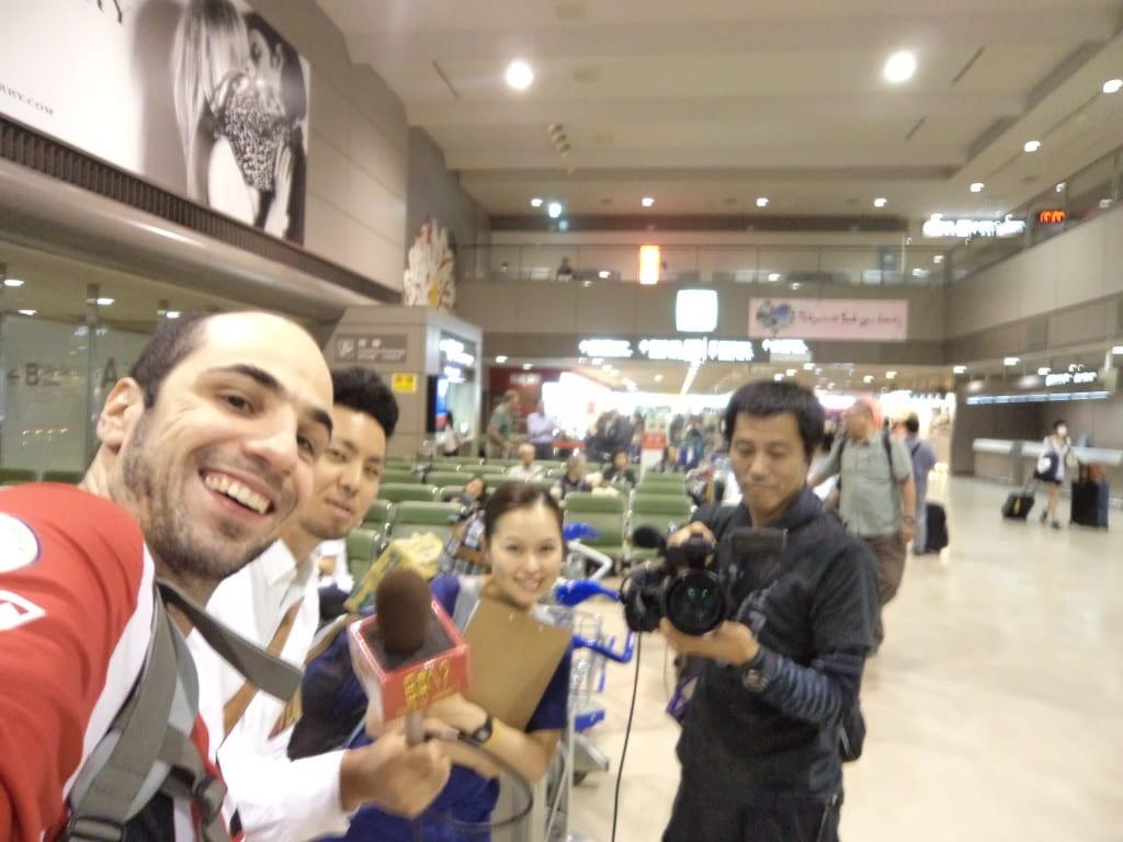 Chegada em Tóquio com equipe de reportagem  japoneses