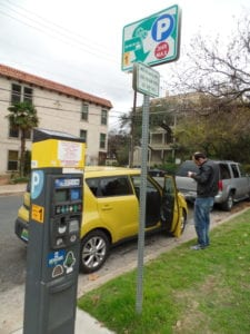 Estacionando o Carro em Austin, Texas