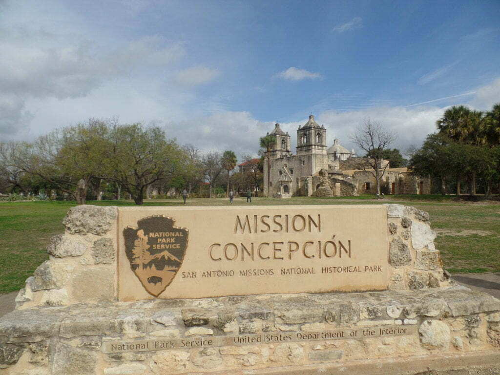 01 - Mission Concepción, uma das várias de San Antonio, Texas, EUA