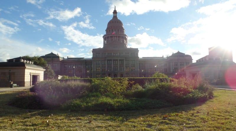 01 -O imponente Capitol de Austin, maior que o de Washington DC