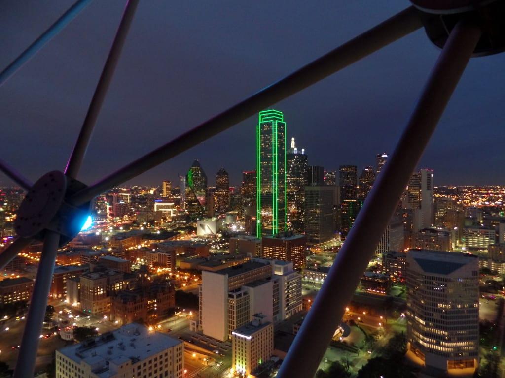 01 - Tower of the Americas, o show fica legal mesmo ao sol cair - Dallas, EUA