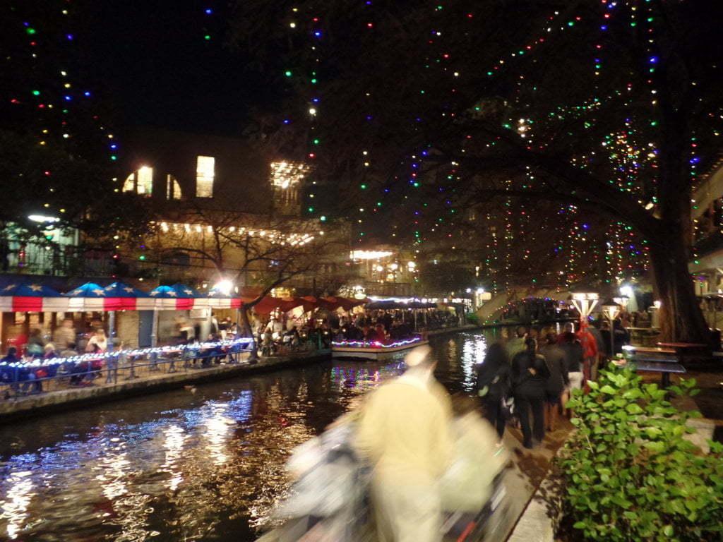 05 - As luzes de Natal na River Walk são de tirar o fôlego - San Antonio, Texas, EUA