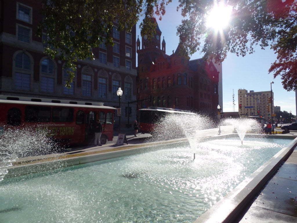 05 - Dealey Plaza e mais que charmoso Old Red Museum - Dallas, EUA