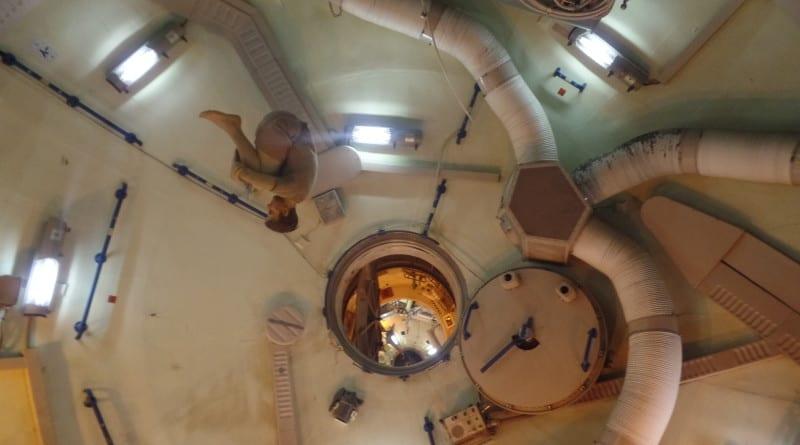 Replicas demonstram a vida no espaço e remontam algumas cenas famosas das aventuras no espaço - Spacer Center Houston, EUA