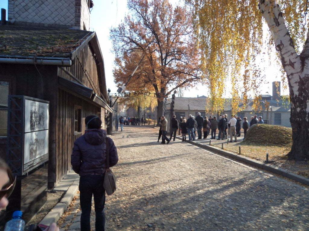 02 A entrada do inferno - Campo de Concentração de Auschwitz, Polonia