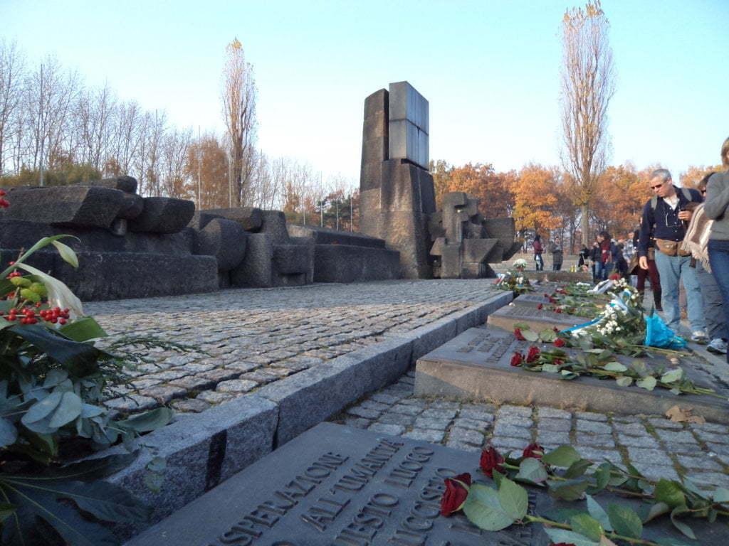 10 Memorial aos mortos no Campo de Concentração de Auschwitz, Polonia
