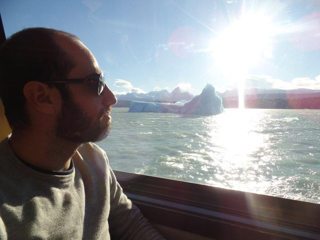 Eu e o Iceberg no Catamaran dos Rios de Hielo em El Calafate, Patagônia Argentina