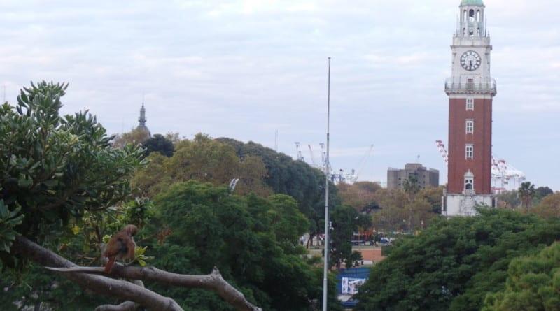 01 Bairro do Retiro e seu relógio é um bom lugar para o fim de tarde - Buenos Aires, Argentina
