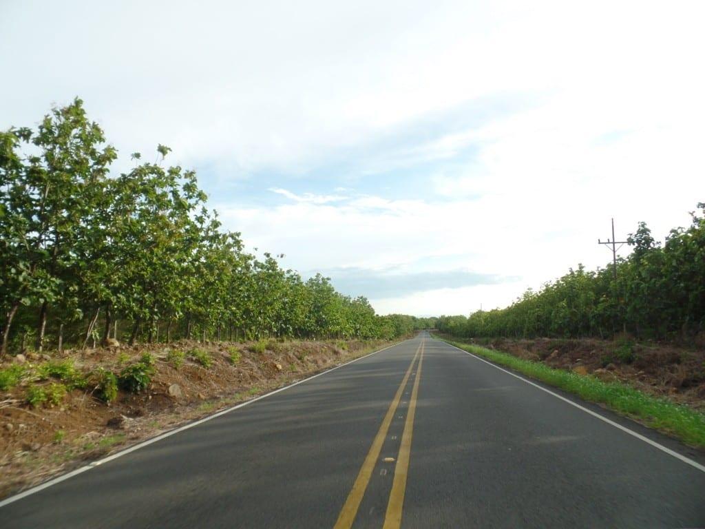 Um vai e um vem - Rodovia na Costa Rica