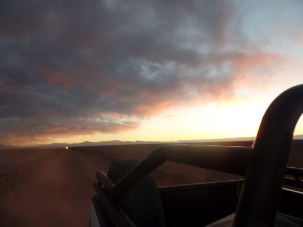 Caminho de volta em 4x4 - Por do sol no Salar de Arizaro, Tolar Grande, Argentina