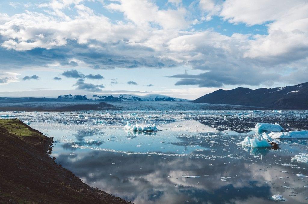 Paisagem na Islândia - foto Pexels
