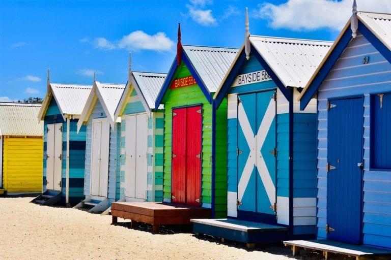 Melbourne, Austrália Kon Karampelas por Pixabay
