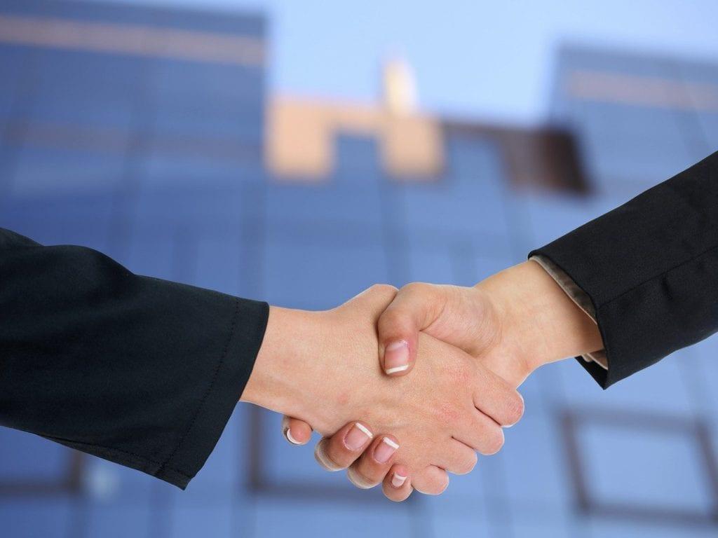 Negociação - Foto Adam Radosavljevic, Pixabay