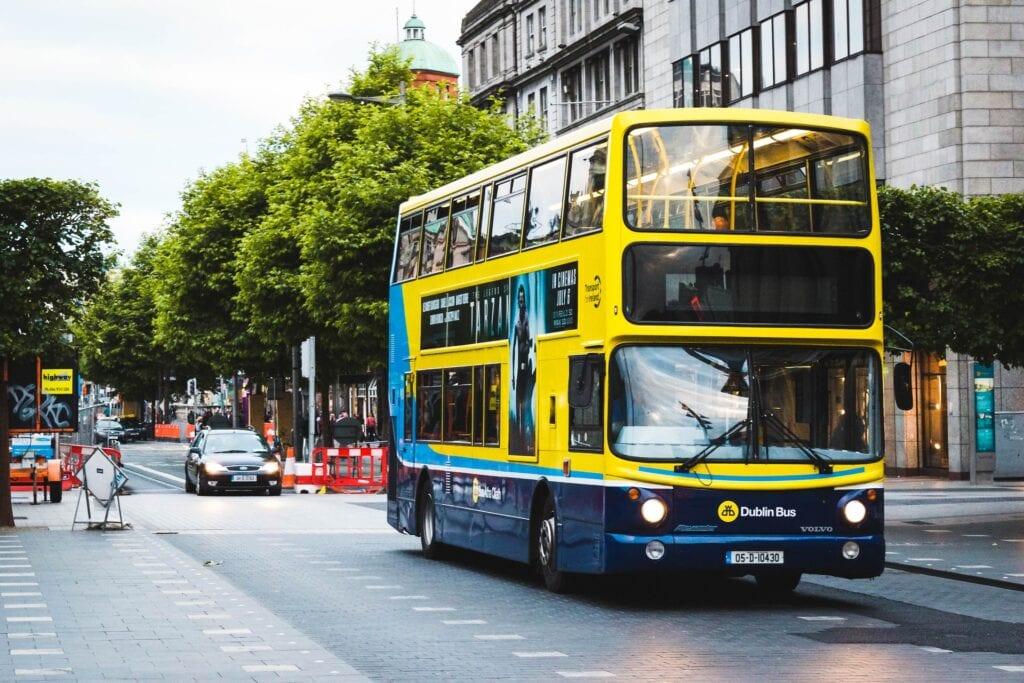 Ônibus na Irlanda